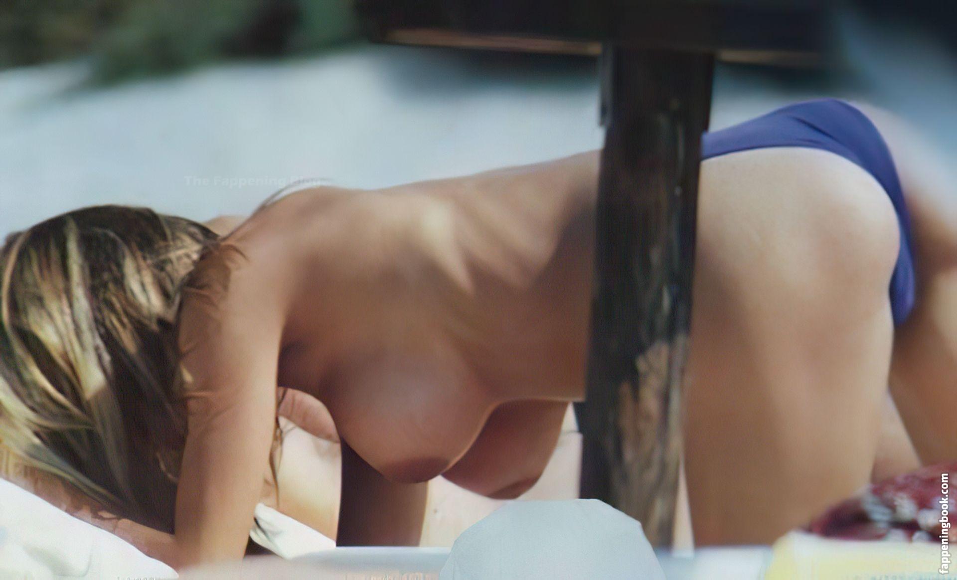 Nackt Charlotte Sine  Charlotte Siné