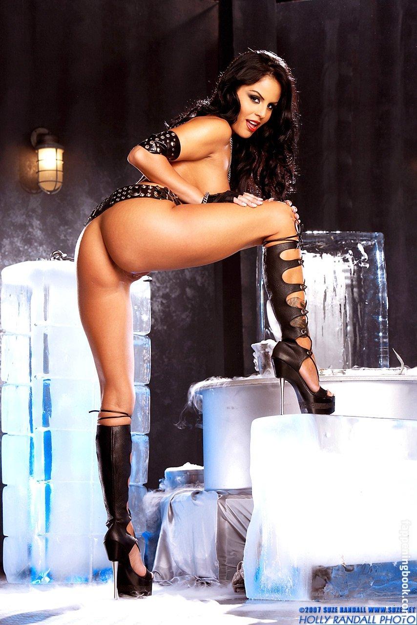 Mikayla Mendez  nackt