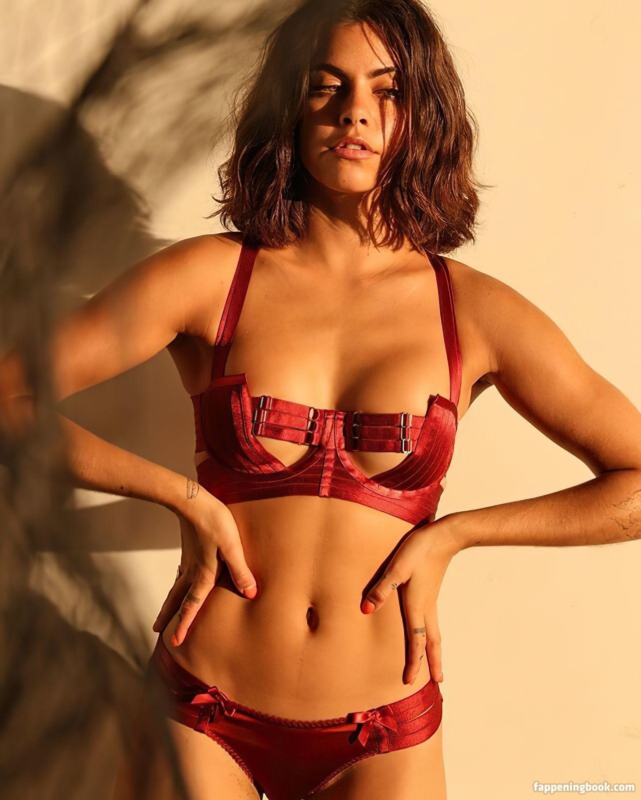 Mimi Elashiry Nude, Fappening, Sexy Photos, Uncensored