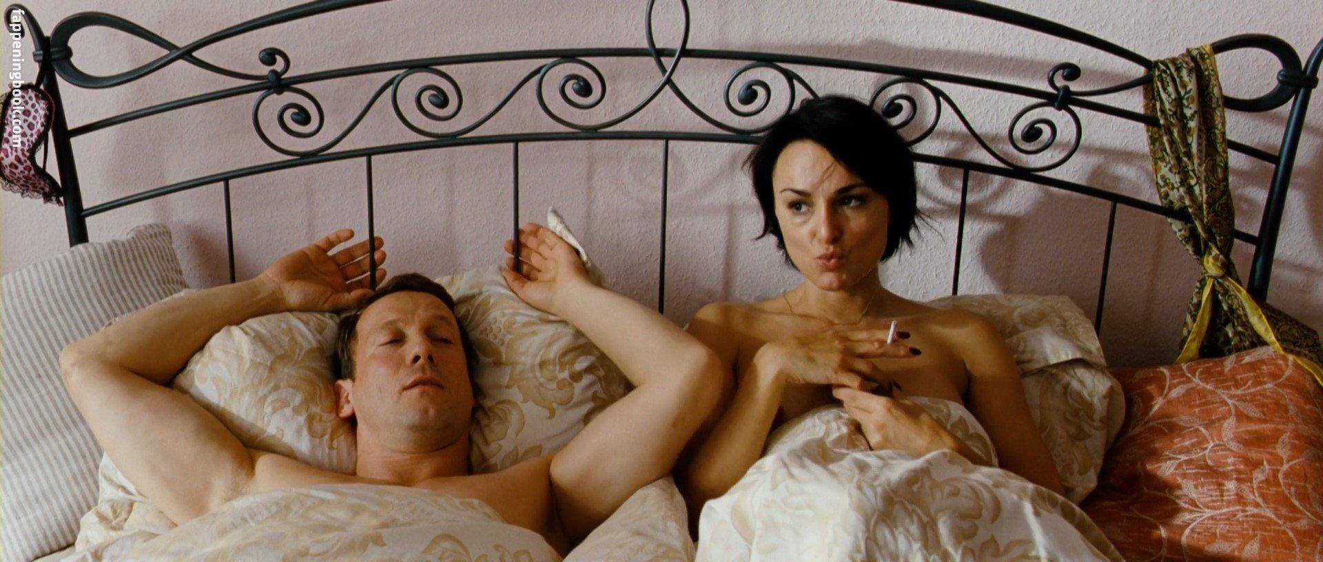 Corella nackt Waring IMDb: Name