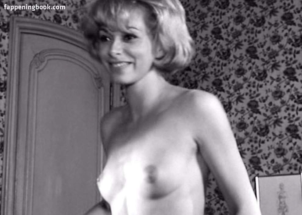Robyn Douglass  nackt