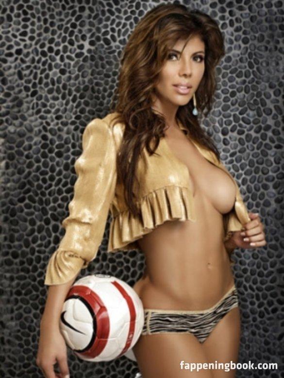 Mirella Grisales Nude