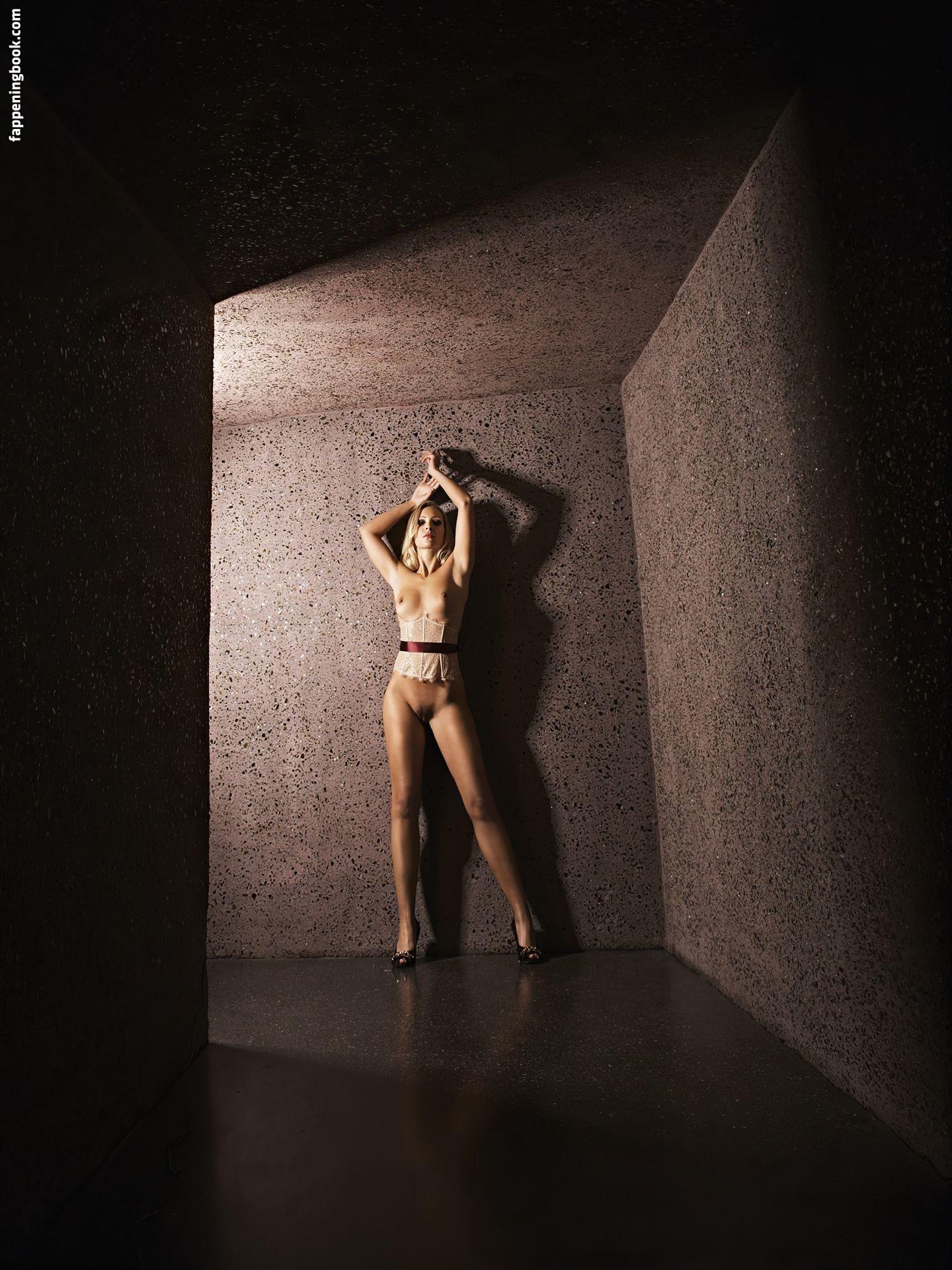 Lukon  nackt Melissa Melissa Ordway