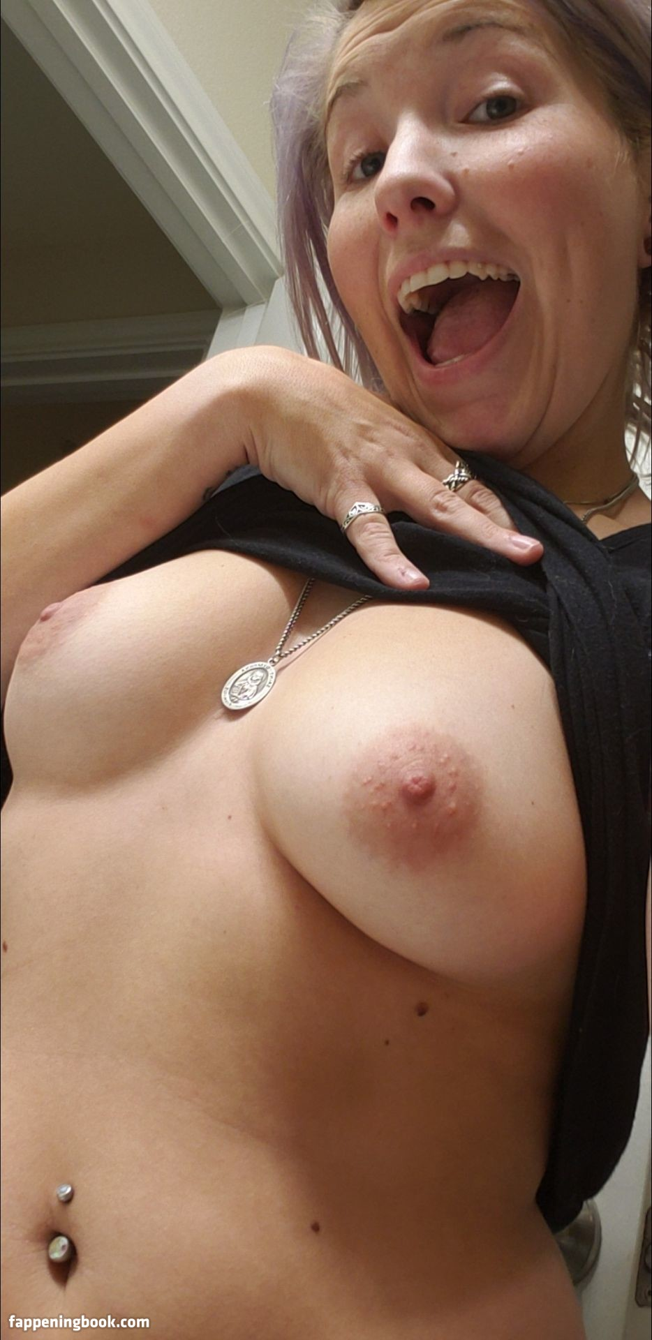 Platinum Petite nackt Miss  Small Tits