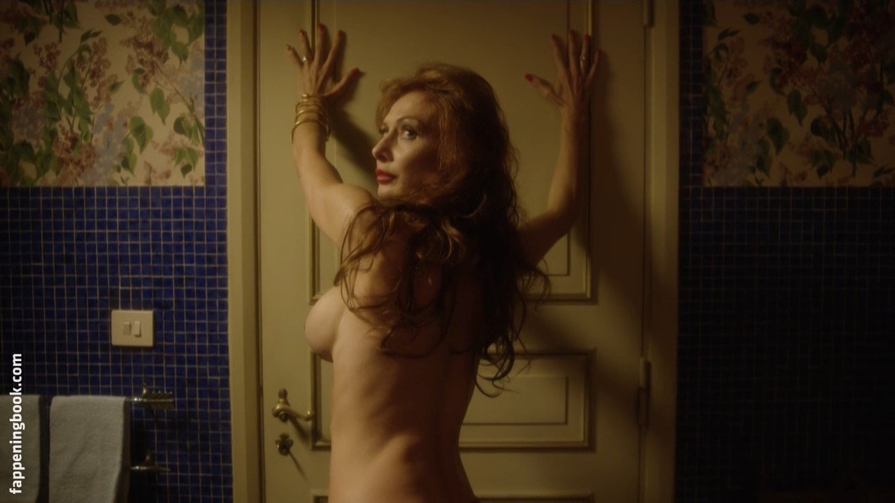 Monica Carvalho  nackt