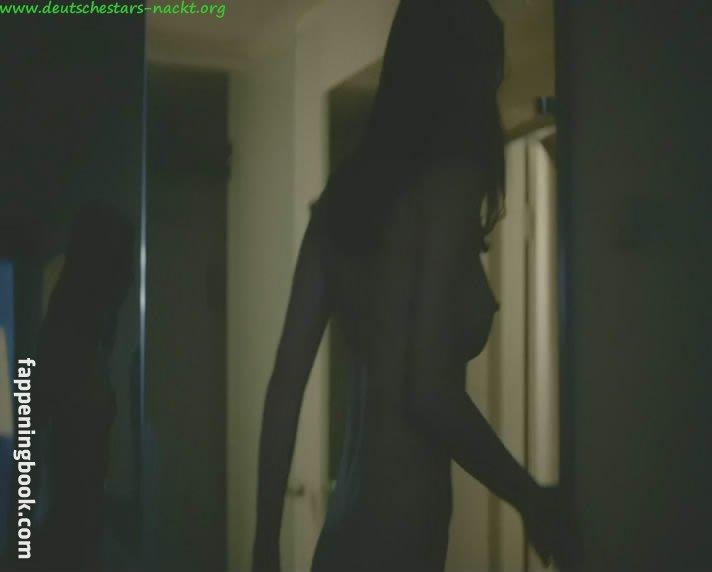 Nadeshda Brennicke  nackt