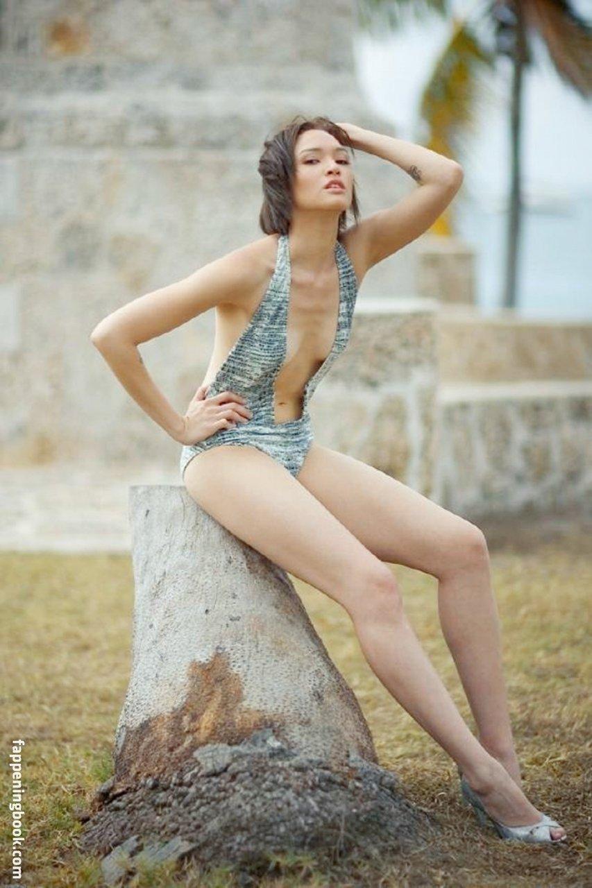 Kesler nackt Maya  👀 Maya