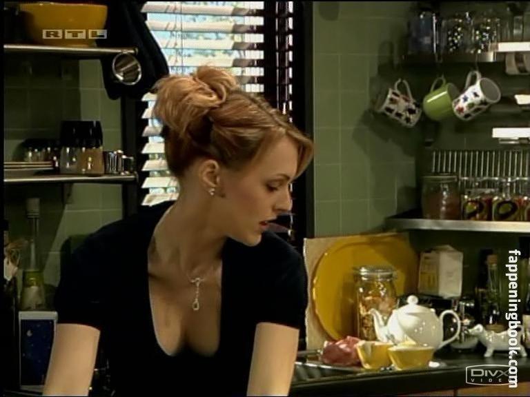 Natalie Roles  nackt