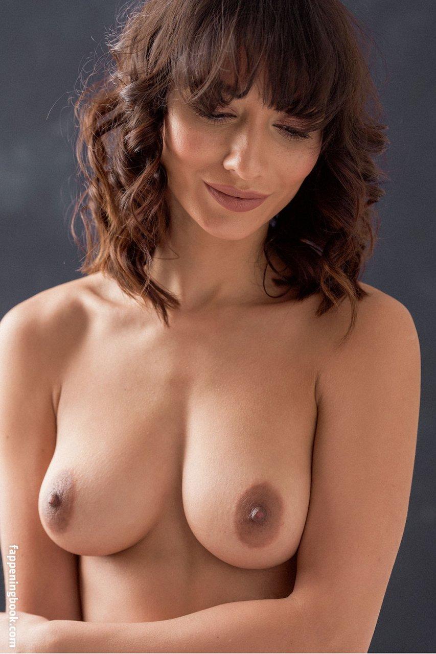 Nicola paul nackt