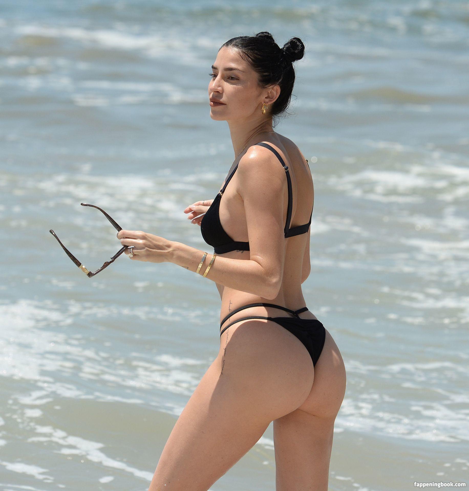 Nicole Major  nackt