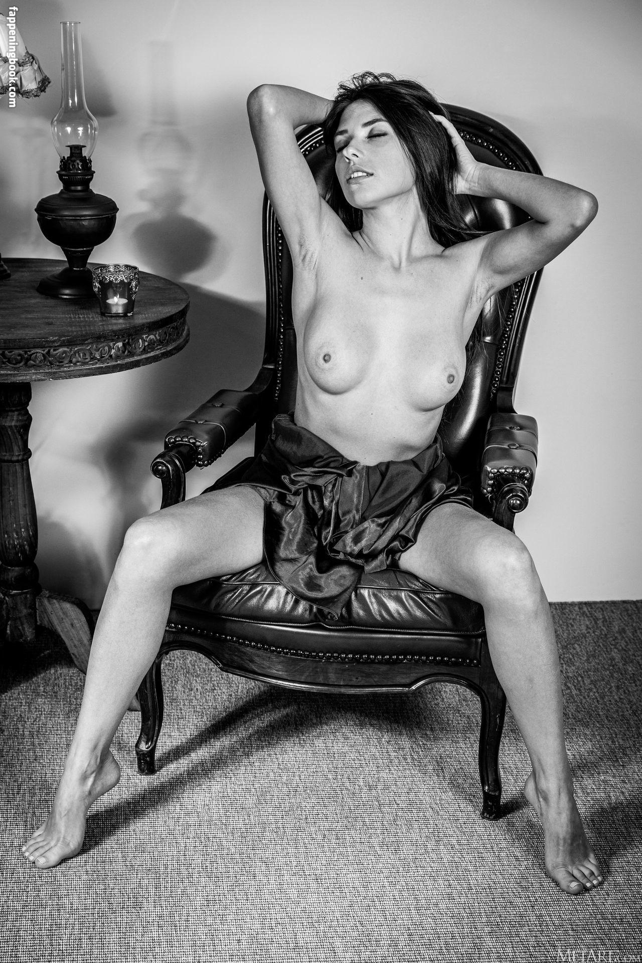 Niemira Nude