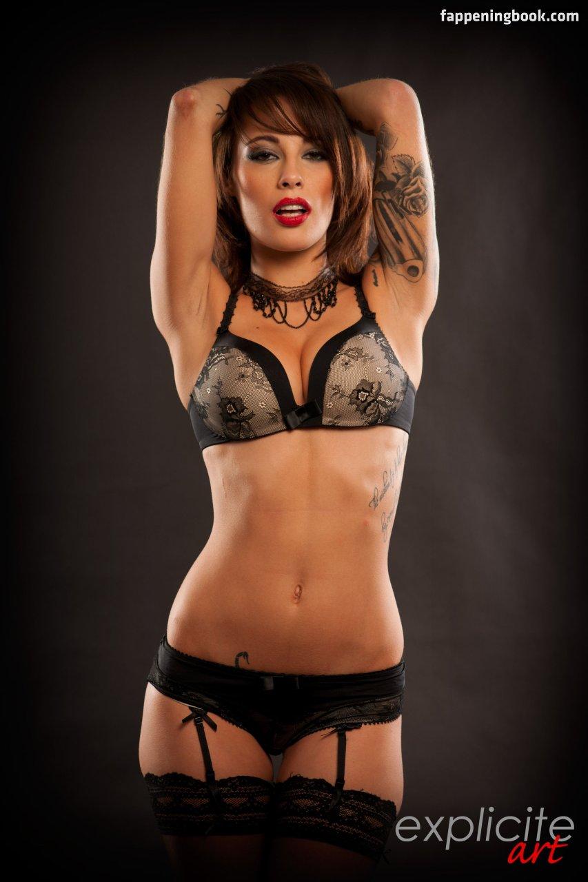 Nikita Bellucci Nude