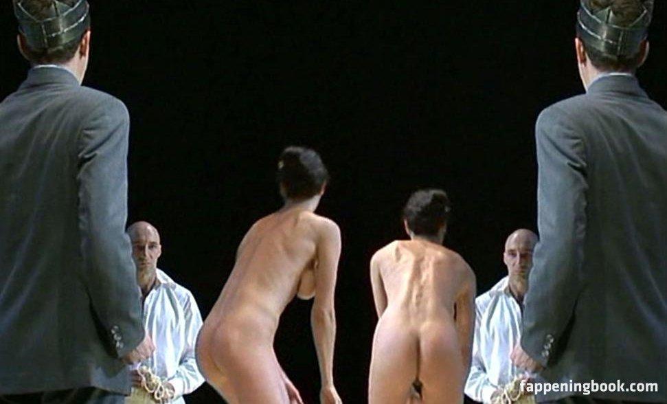 Nackt Amalia Stifter  The Paris