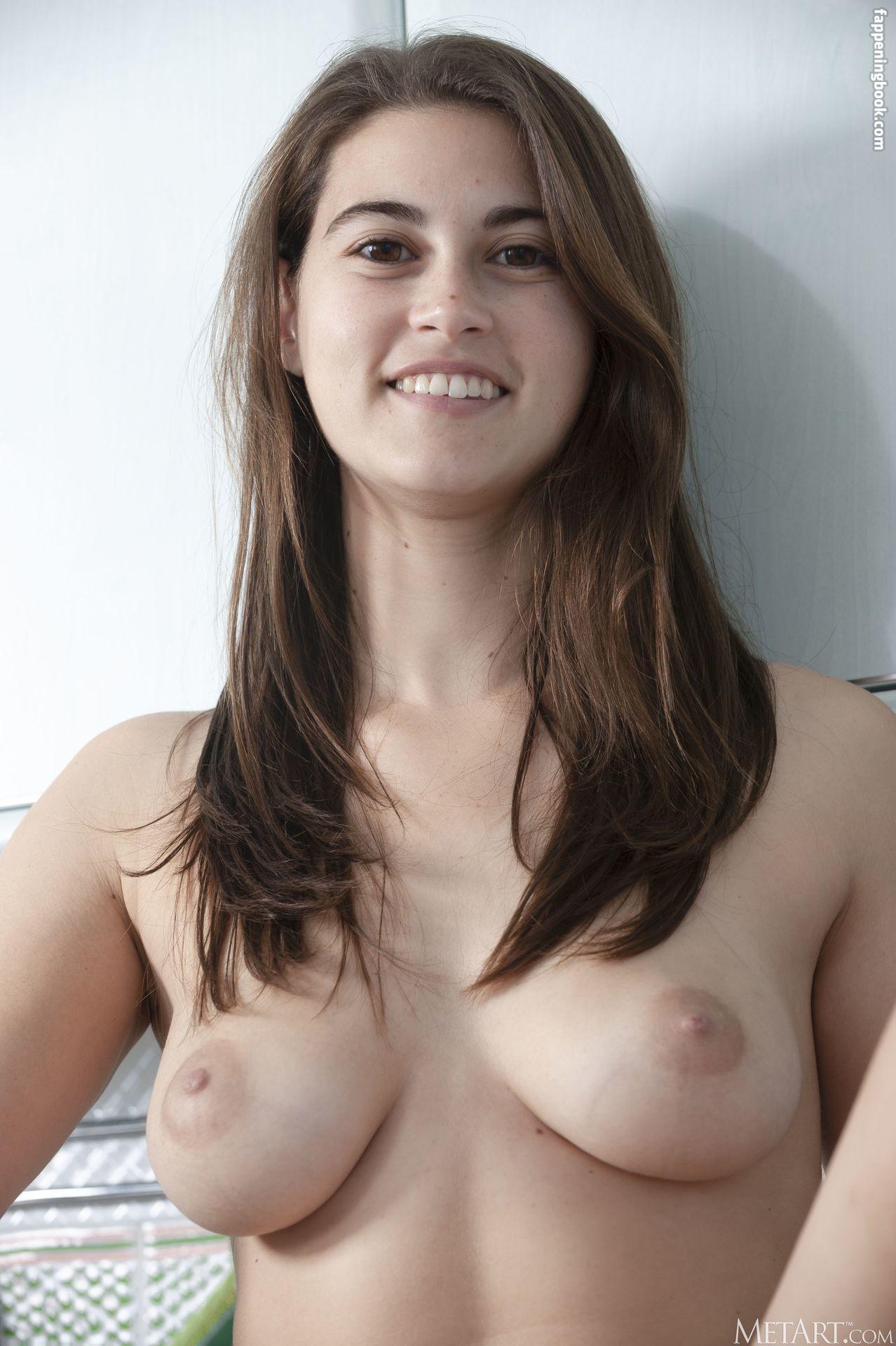 Nina Sphinx