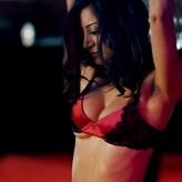 nackt DeWulf Noureen Sexy Noureen