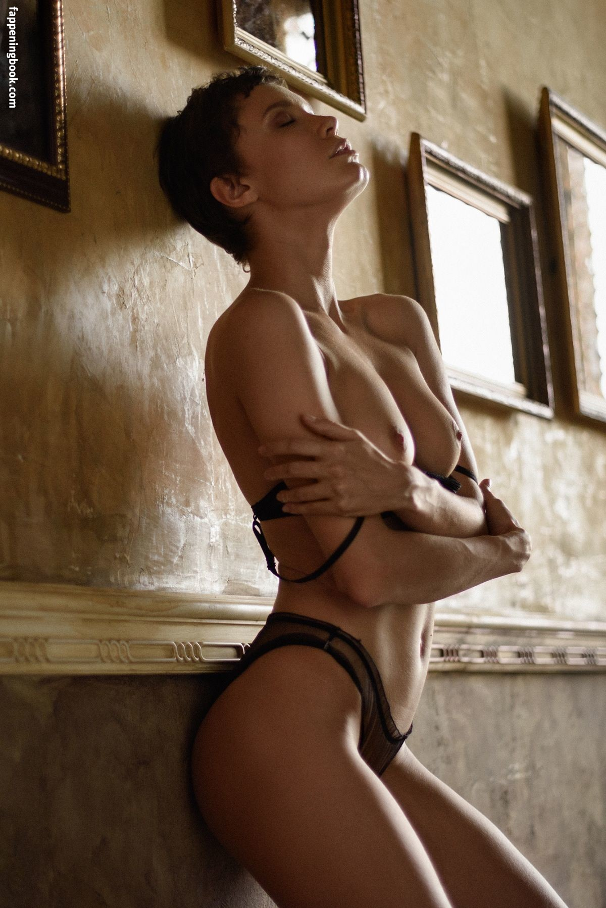 Oksana Chucha Nude