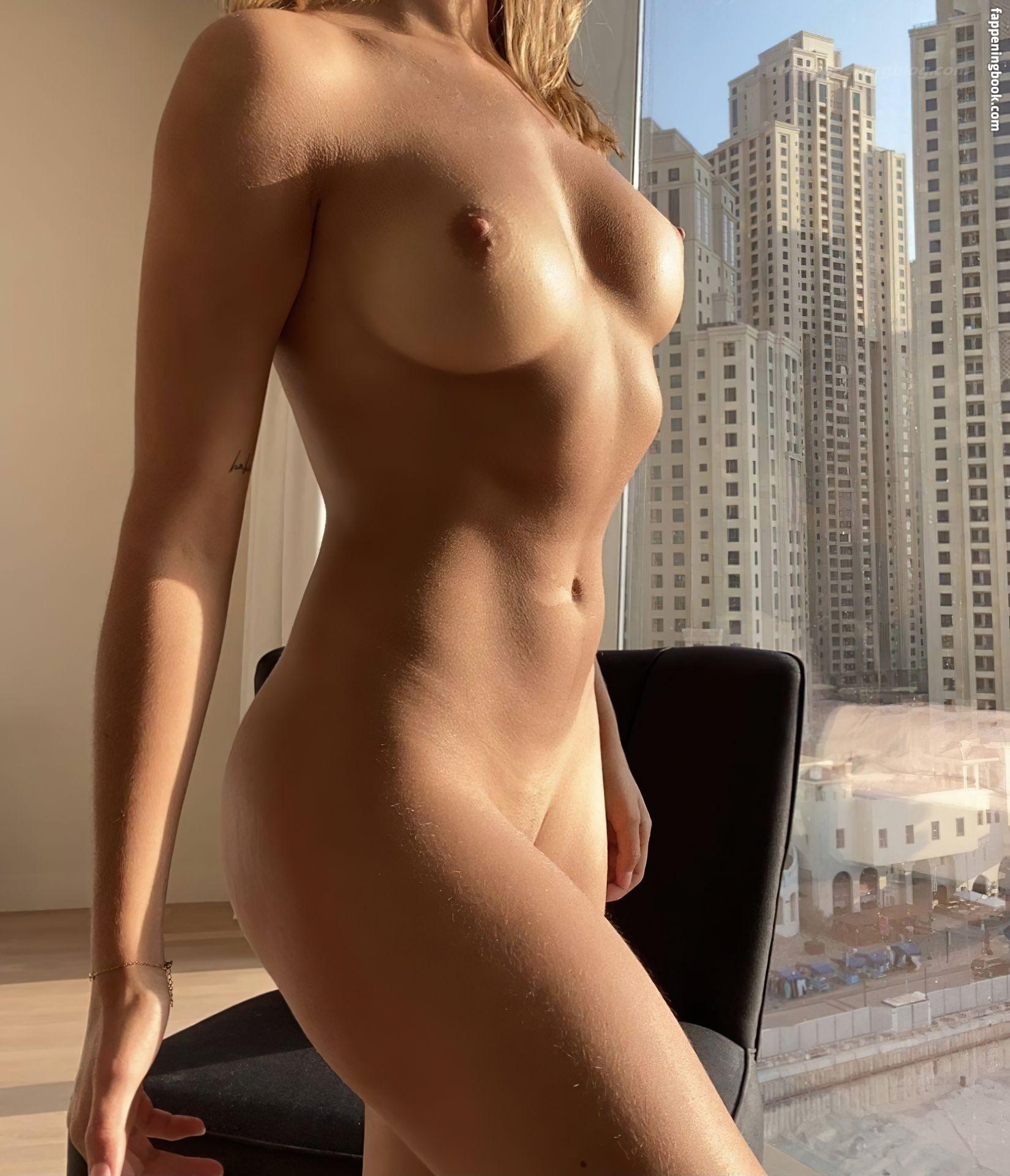 Olivia Belmonte Nude
