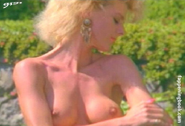 Paula Revee Nude