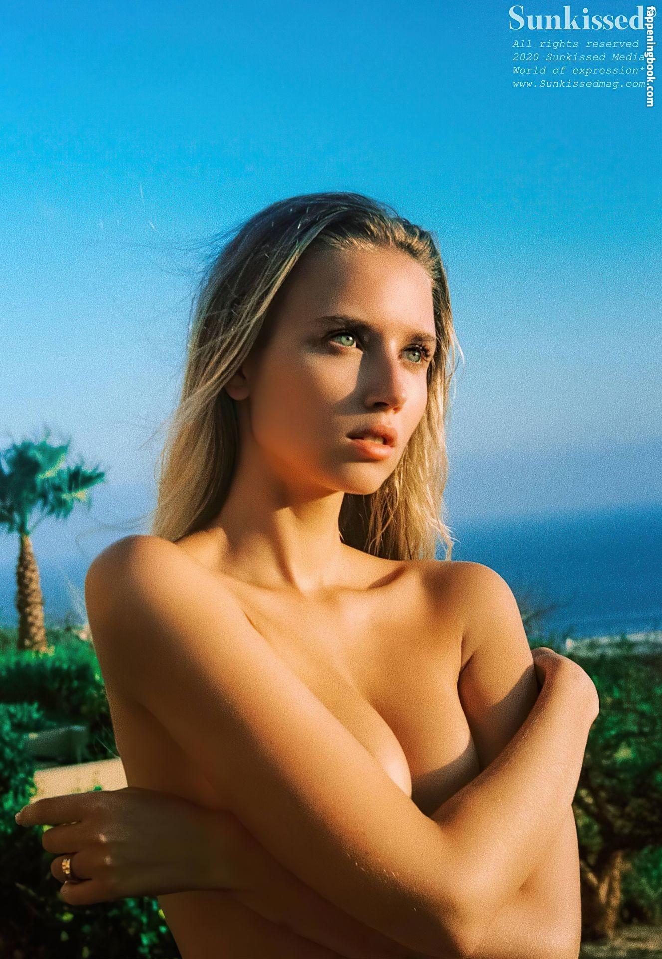 Polina Malinovskaya Nude, Sexy, The Fappening, Uncensored