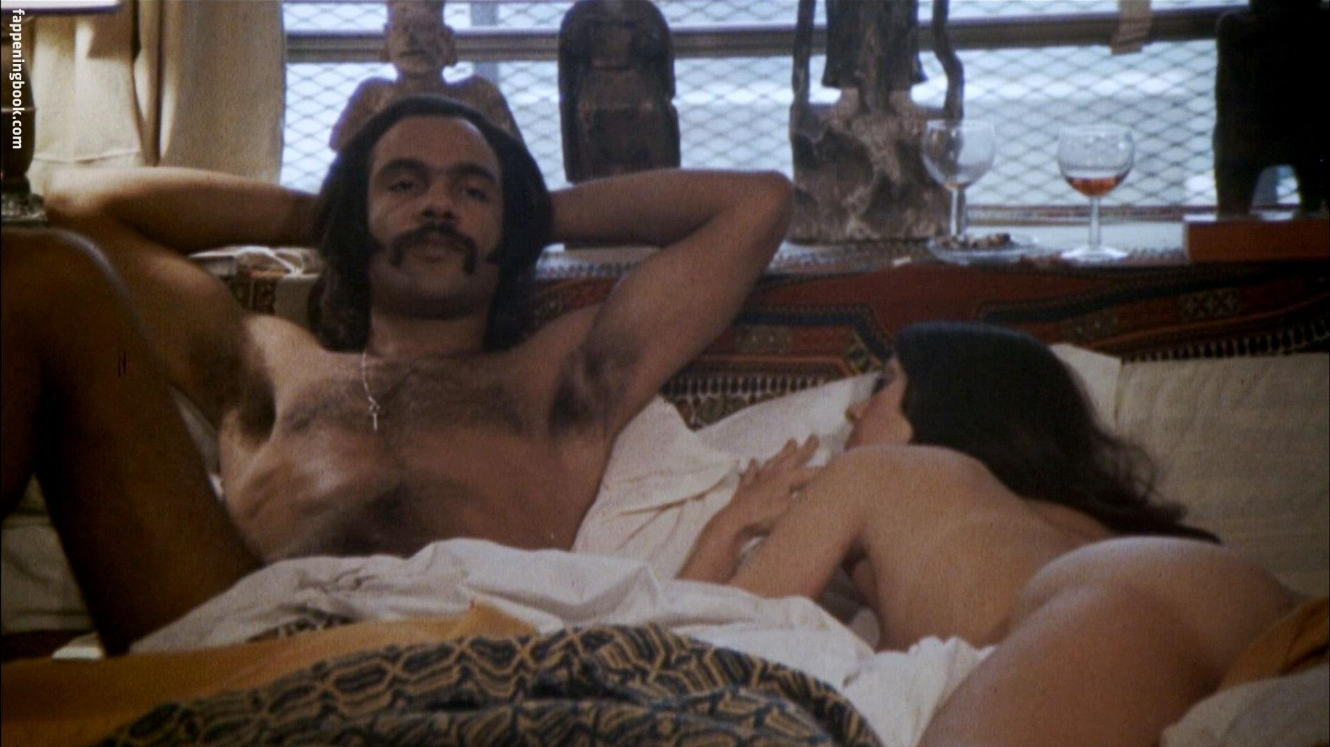 Polly Niles Nude