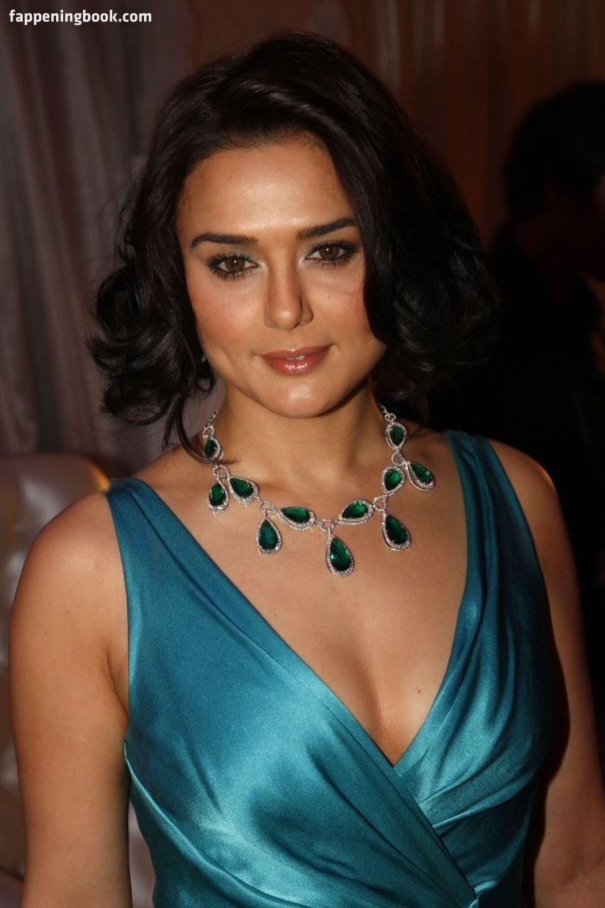 Preity Zinta Nude, Sexy, The Fappening, Uncensored - Photo -9531