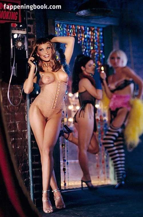 Francine Lewis  nackt