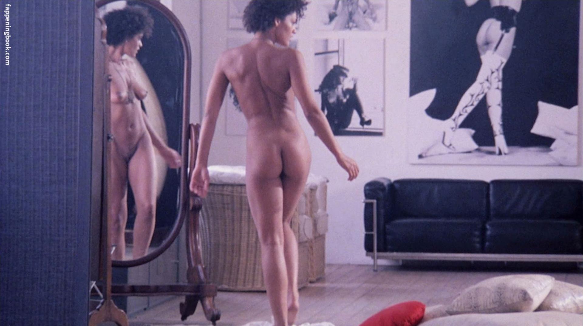 Raffaella Offidani Nude