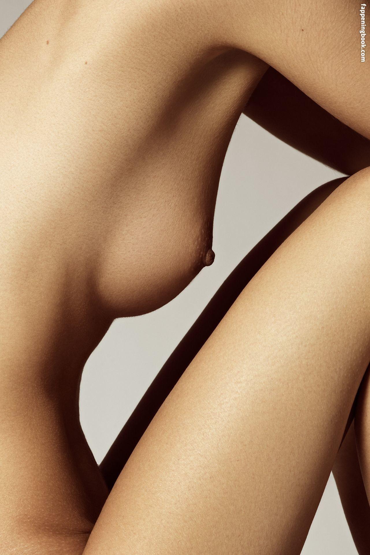 Shayna Lee nackt Lefur Totally Nude