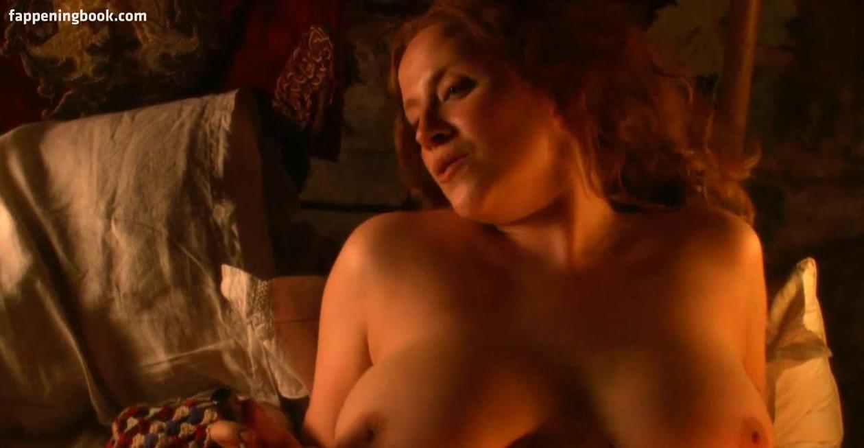 Nackt Rebecca Davies  Past Tanner