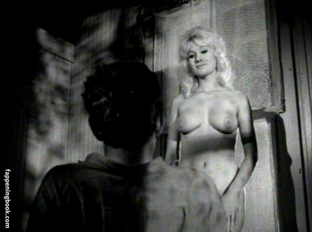 Rena Horten Nude