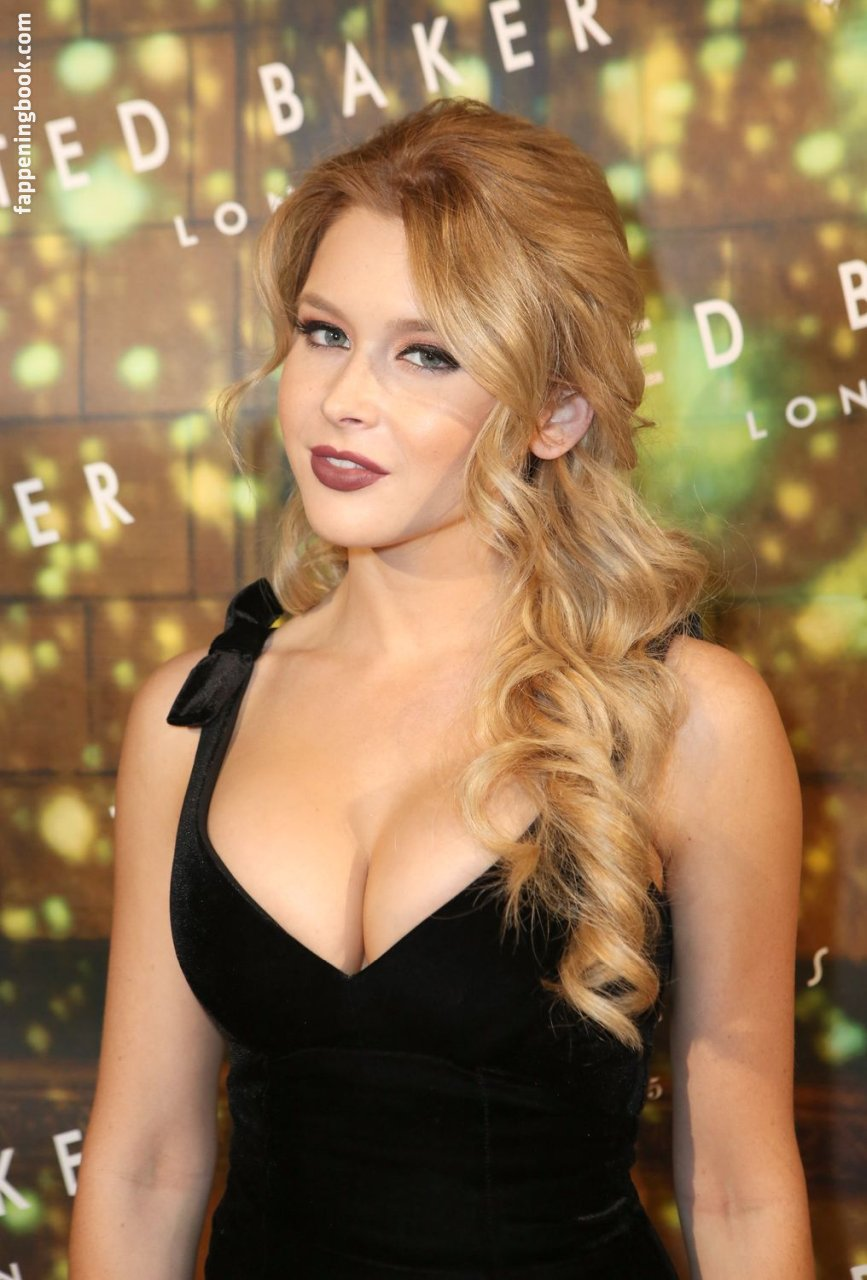Renee Olstead Nude, Sexy, The Fappening, Uncensored