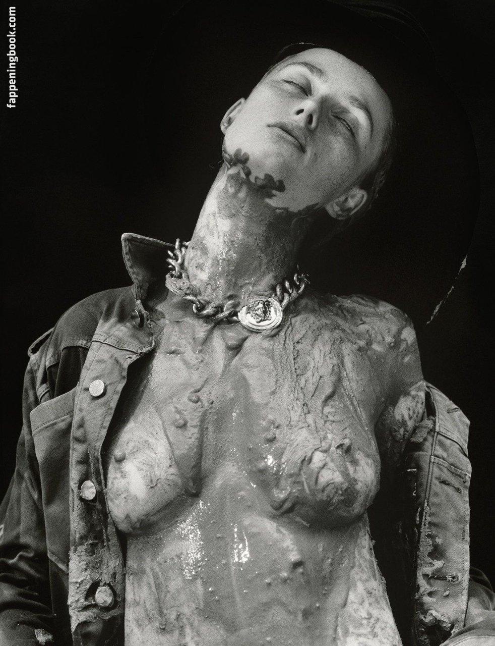 Rianne van Rompaey Nude