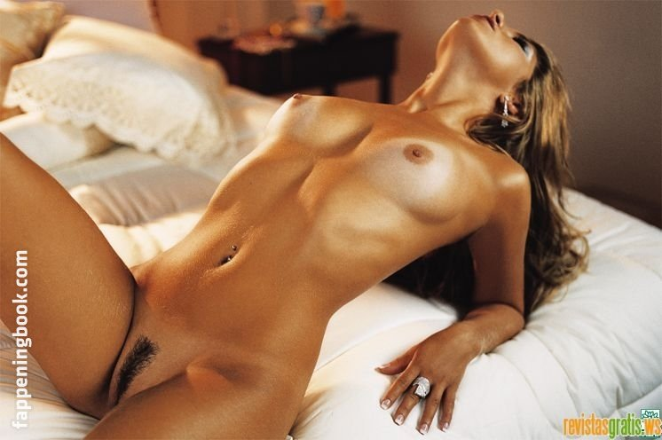 Roberta Brasil Nude