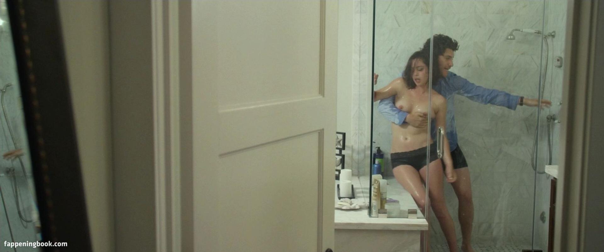 Rosa Salazar Nude