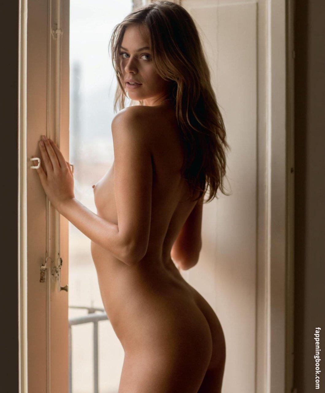 Roxanna june nude