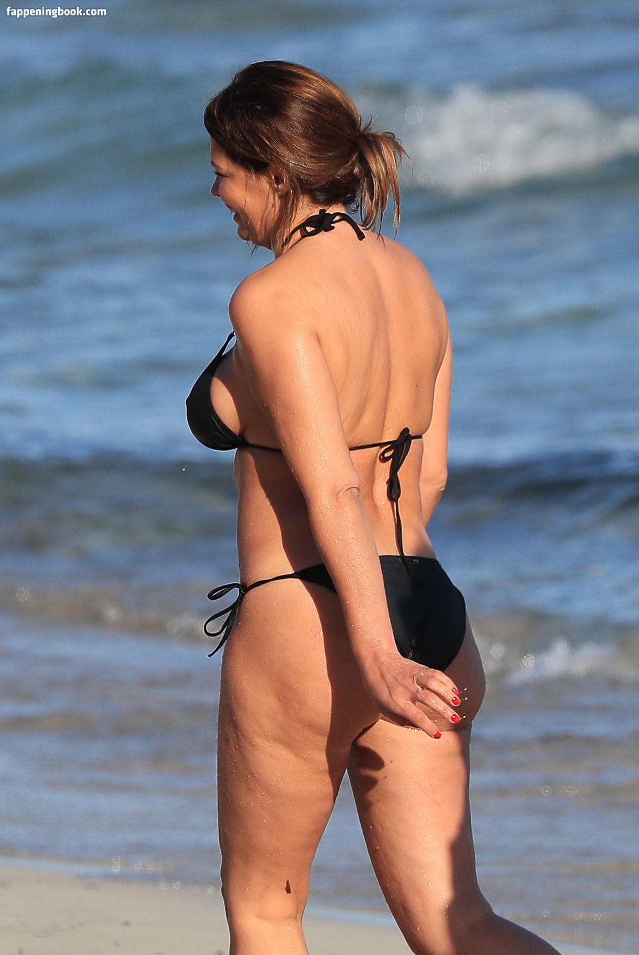 Bardis  nackt Nicole Nicole Bardis