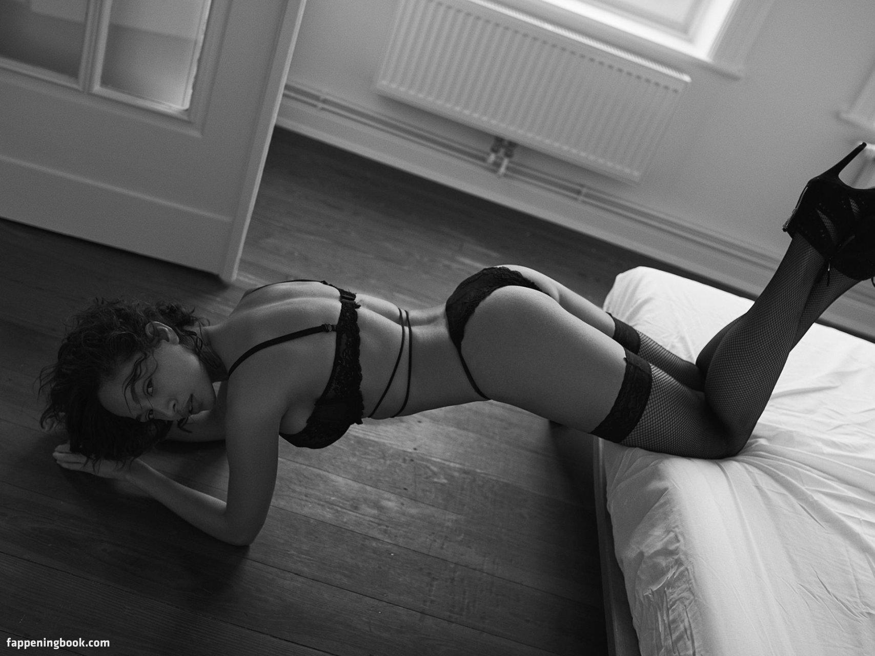 nackt Sancler Sabrina 41 Hottest