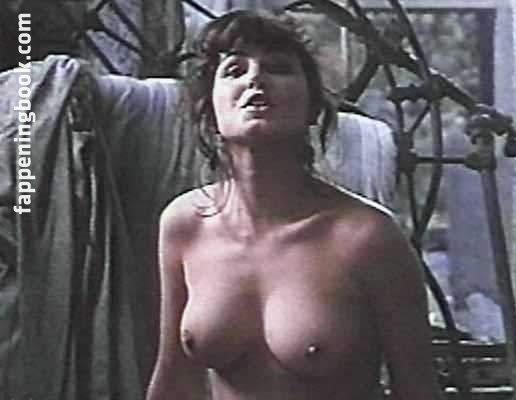 Amanda Frost  nackt