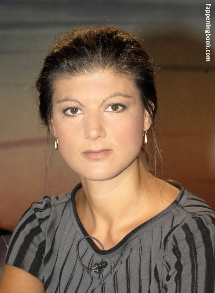Nackt  Christina Holme 61 Sexiest