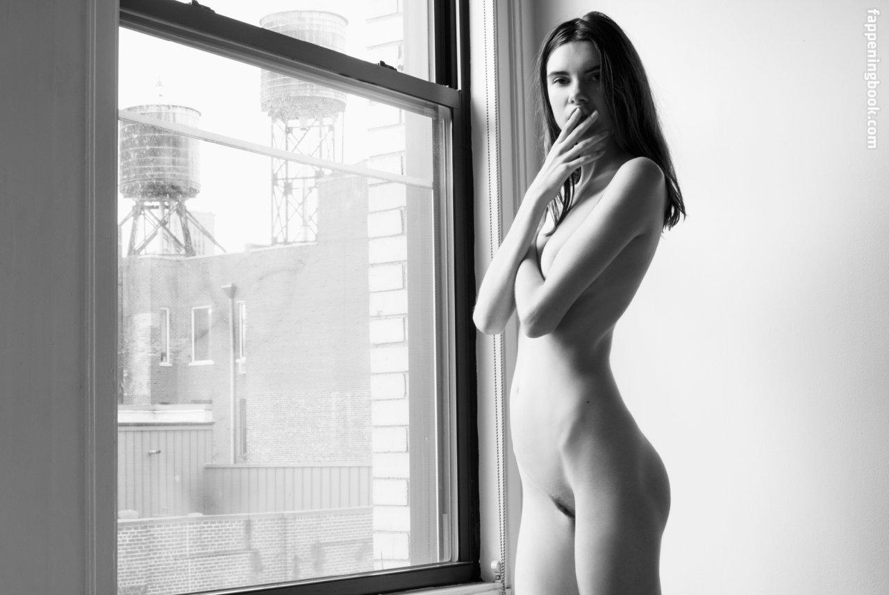 Sally Paton Nude