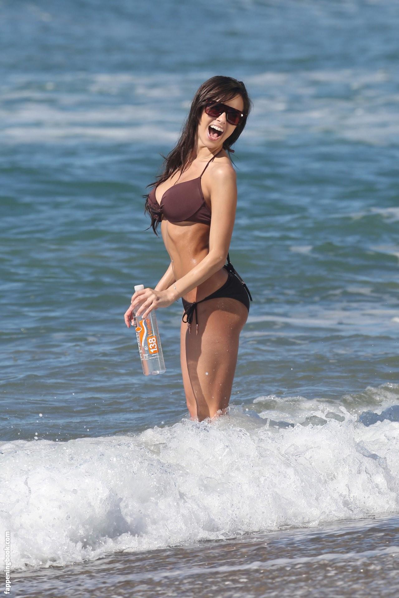 Samantha Gill  nackt