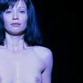 Celebrities Samantha Mathis Nude