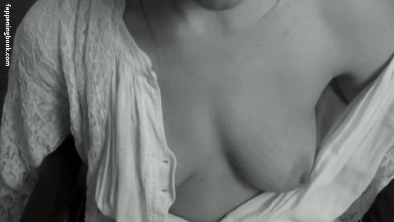 Sandie Masson Nude