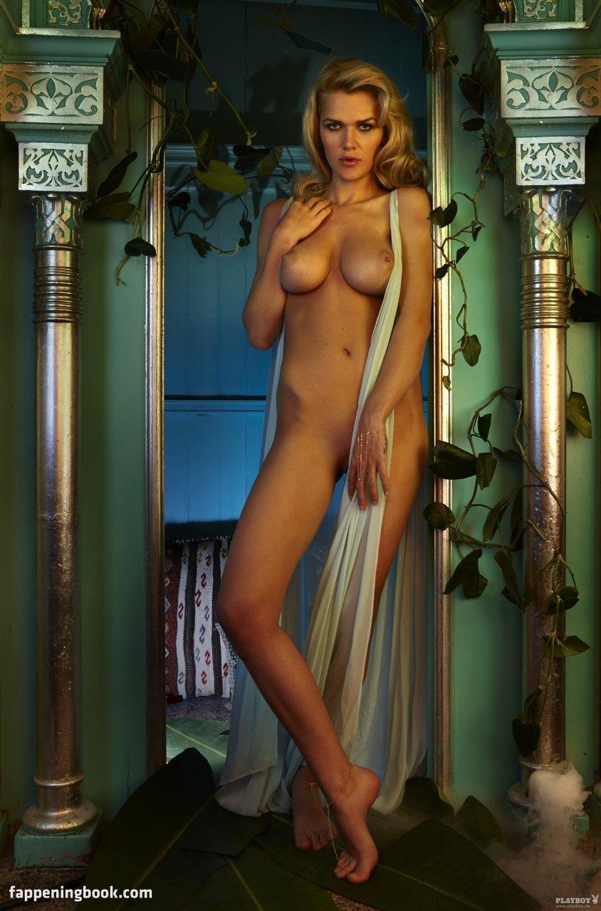 Fanny Sidney  nackt