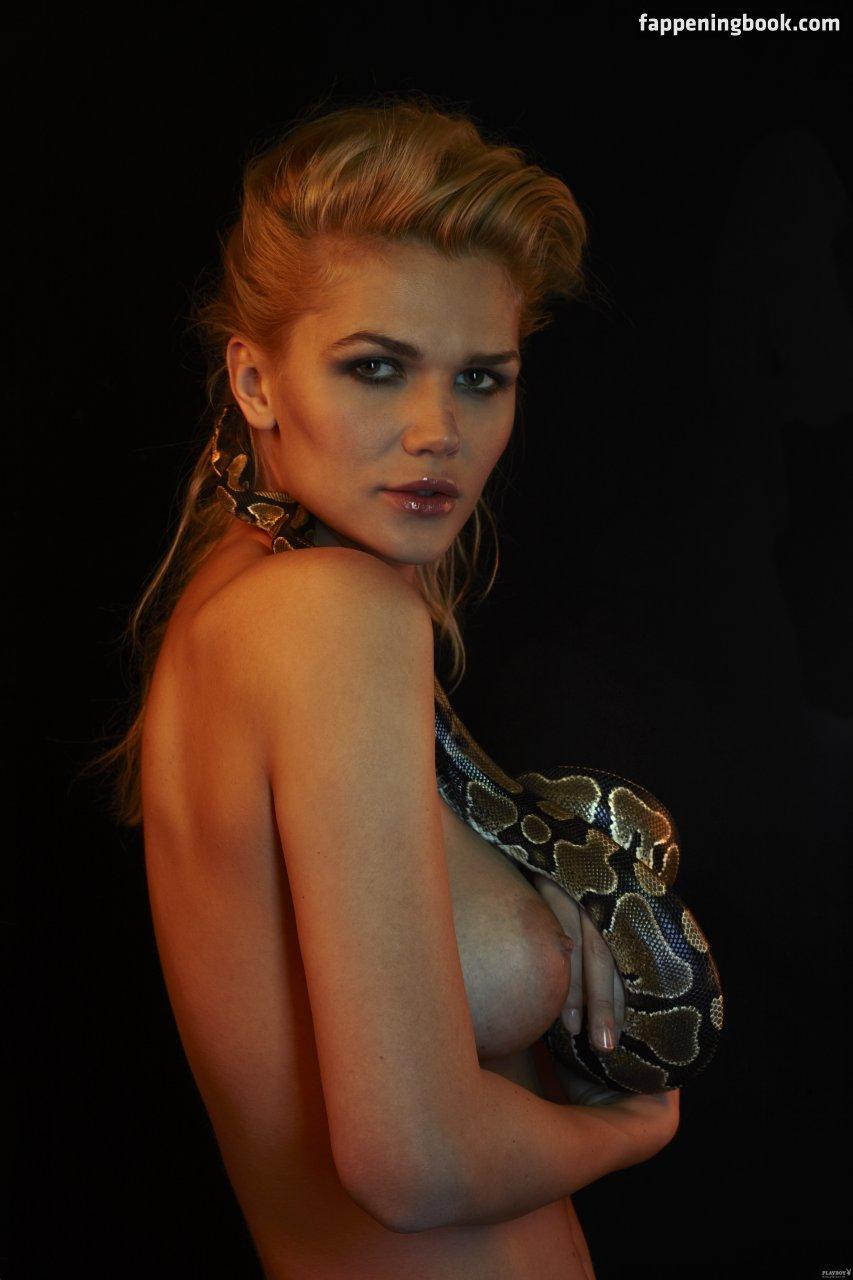 Michelle nackt Moretti Michelle (Tanja