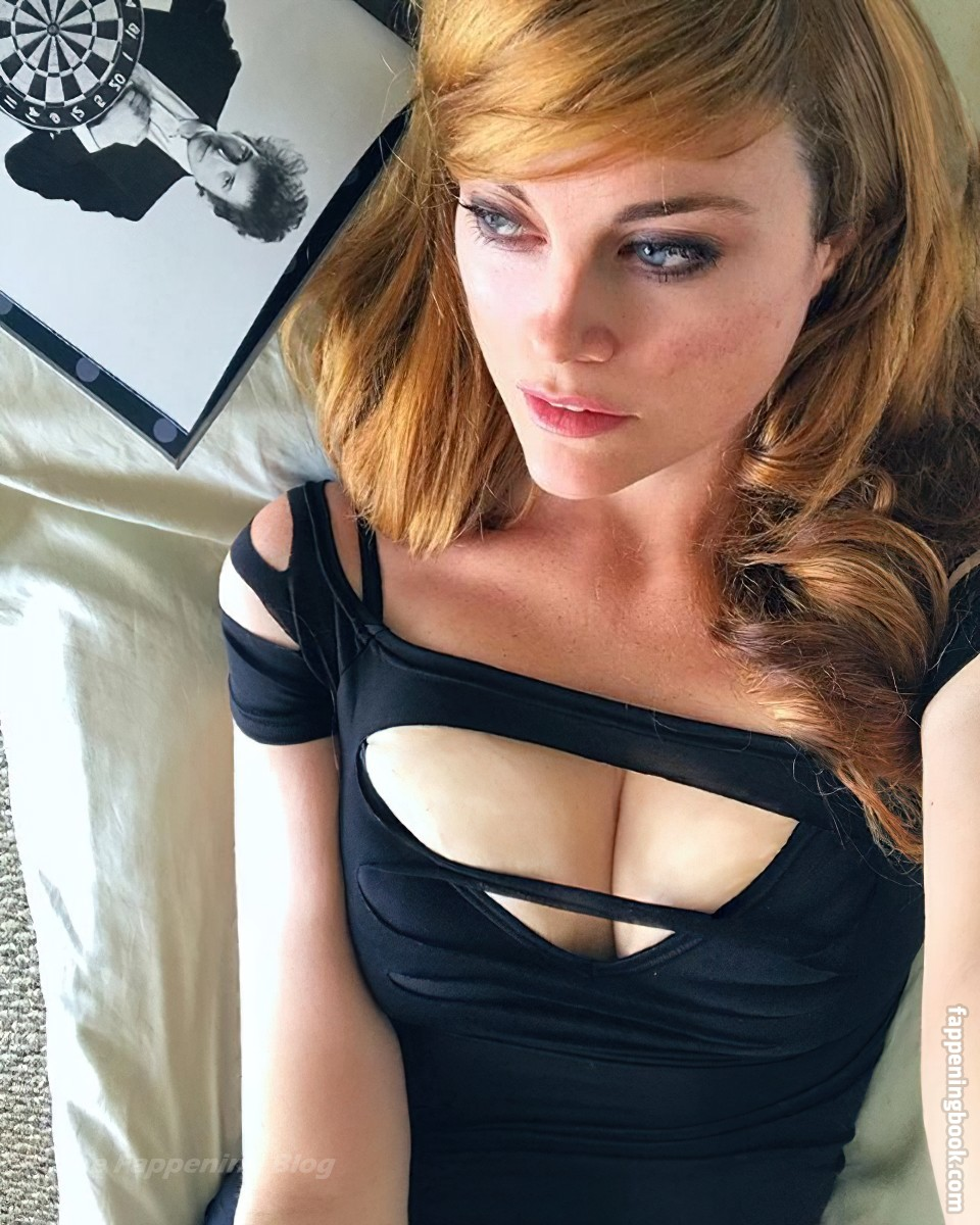 Nackt Sarah Beattie  Sarah Beattie