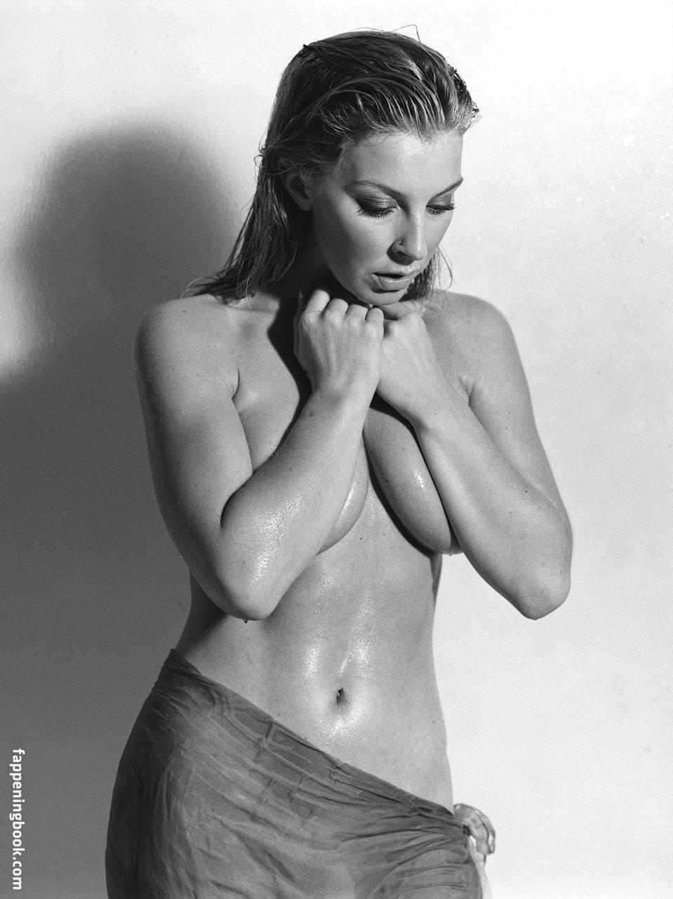 Nackt  Sarah Donohue Sara M.