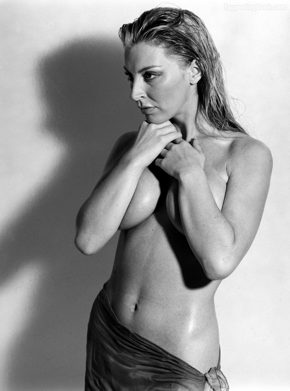 Jenny Bongardt  nackt