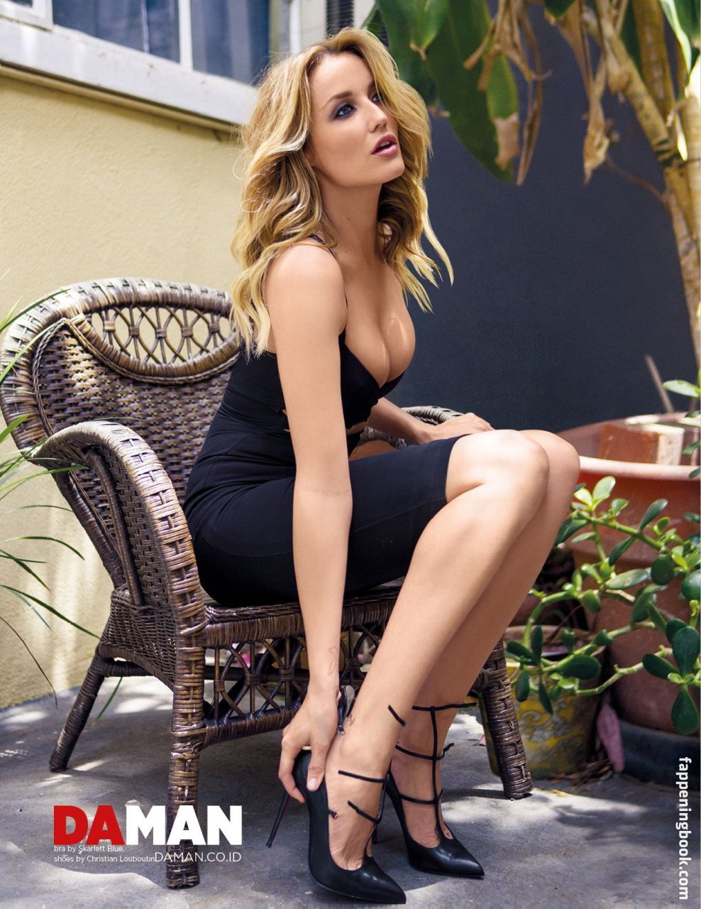 Sarah Dumont Nude, Sexy, The Fappening, Uncensored - Photo