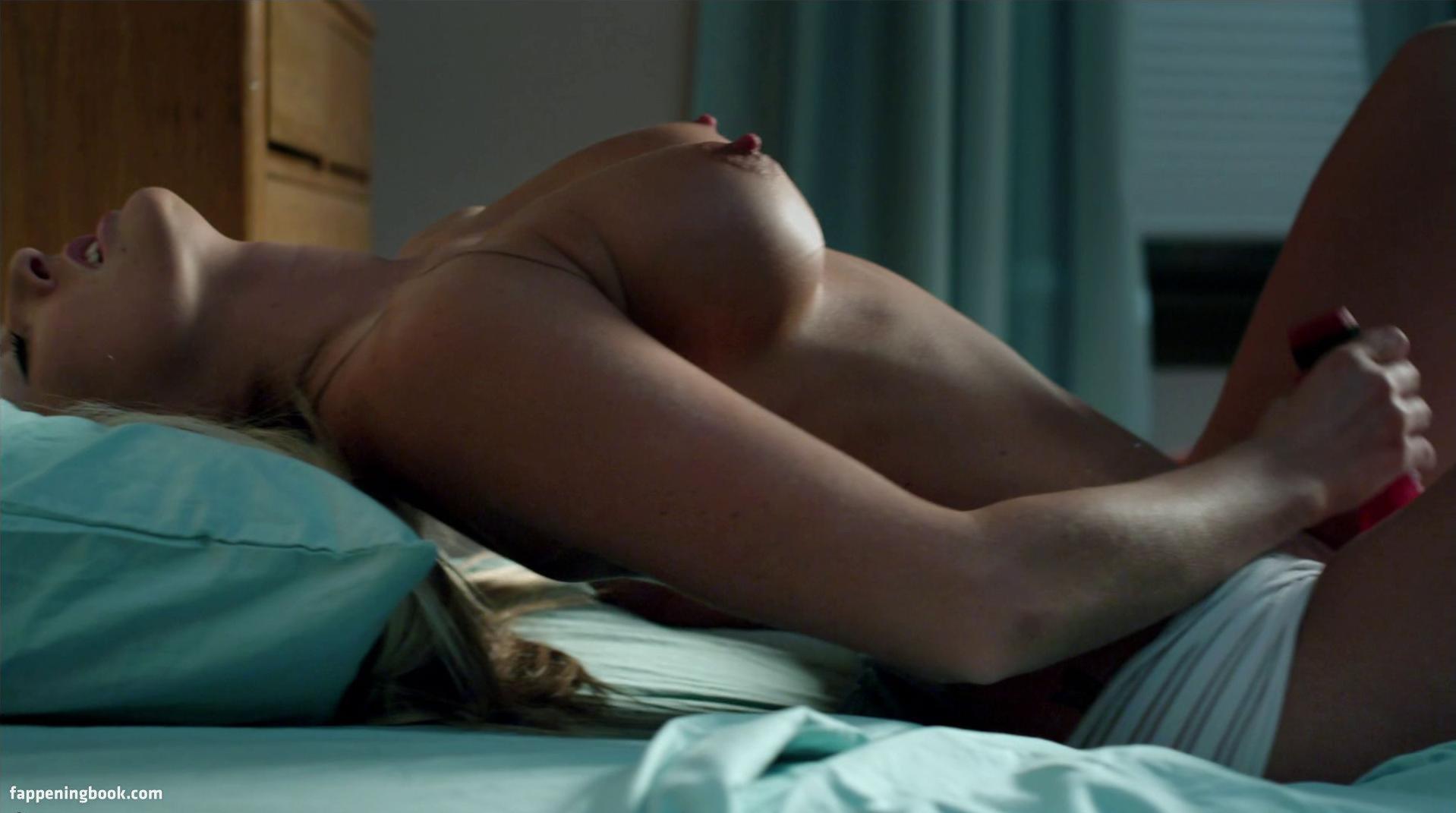 Melissa Lukon  nackt